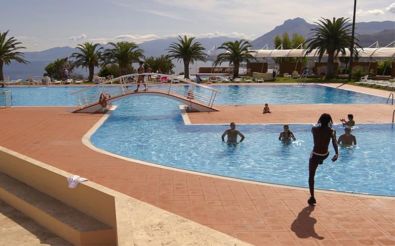Hotel e villaggio a palermo sul mare di altavilla - Piscina due pini ...